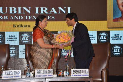 Mr Shashwat Goenka President Indian Chamber of Commerce with Smt.Smriti Zubin Irani Honourable Union Minister of Textiles in Kolkata