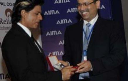 Dr Sanjiv Goenka with Mr Shahrukh Khan